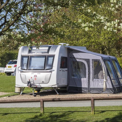 picture_of_st_helens_in_the_park_caravans