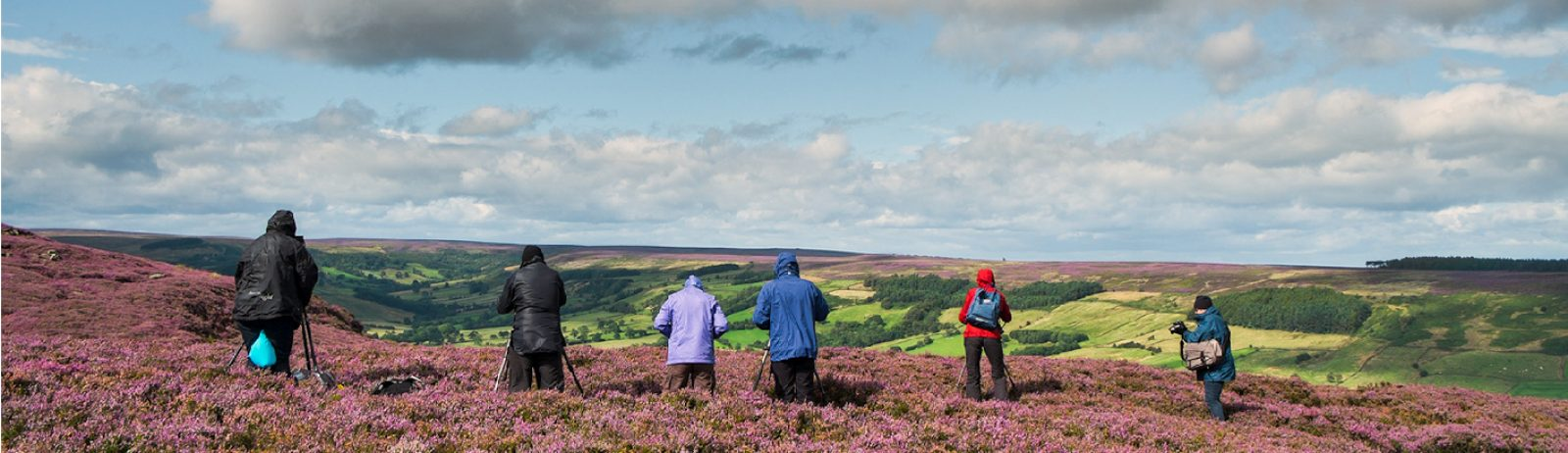 picture_of_a_group_of_people_on_the_moor
