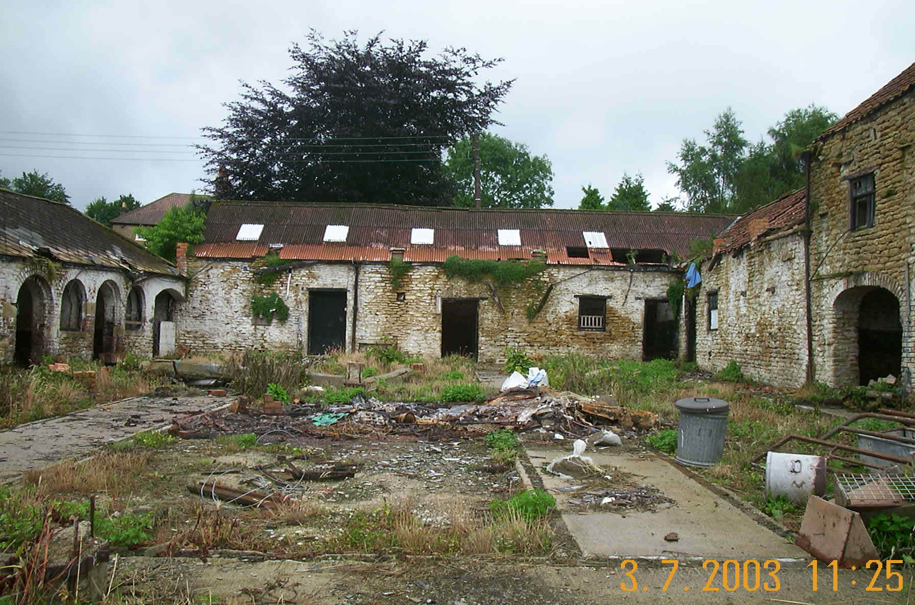 Lora farm buildings 2003