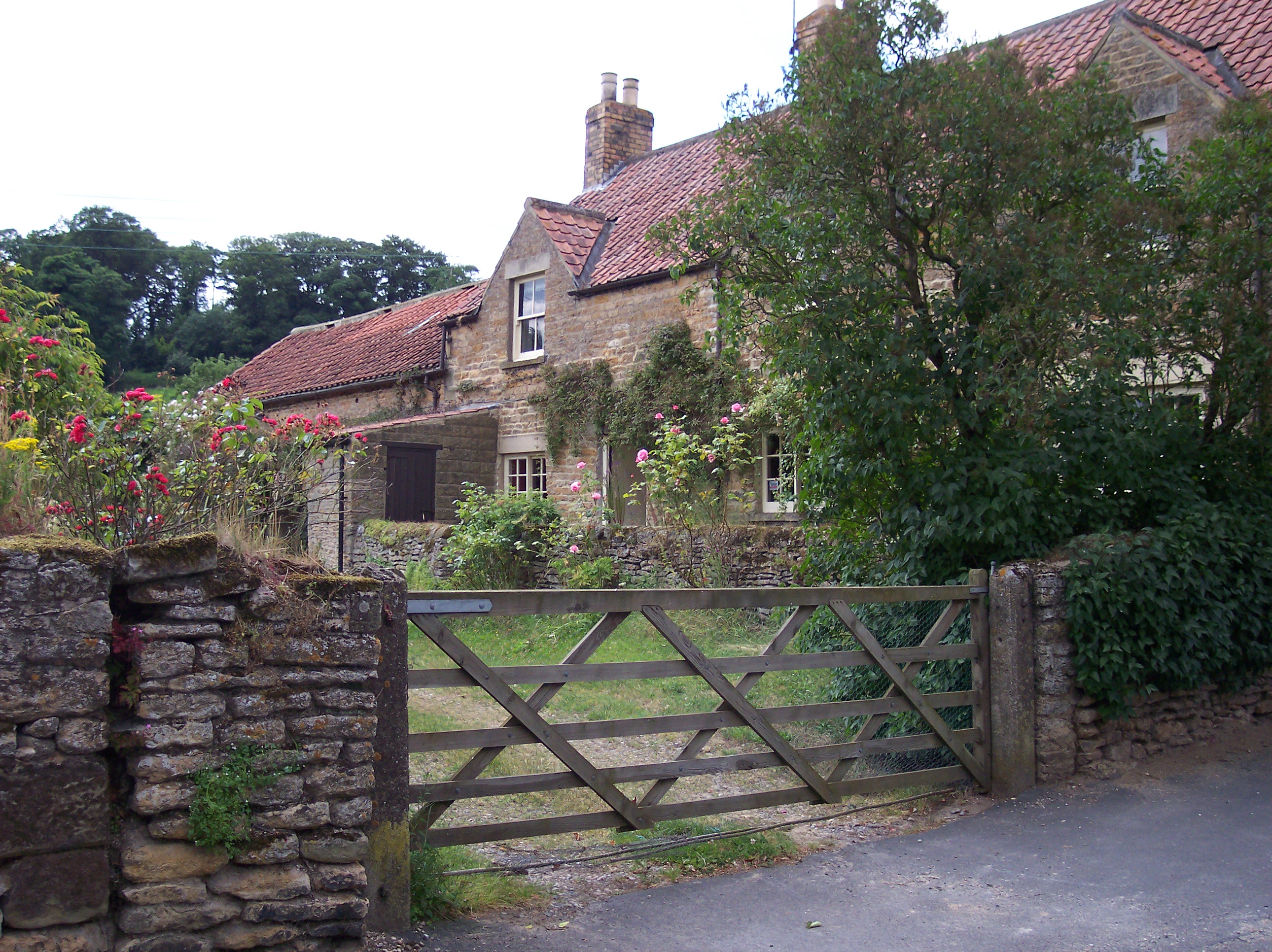 No 29 Wykeham Lilac Cottage 2